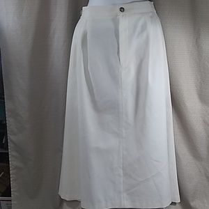 Plus size VTG ORVIS white full maxi skirt size 18
